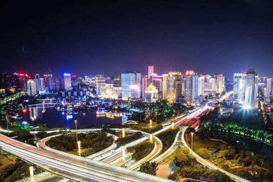 真正的好兄弟:广东给广西贫困县投资上亿,广西对广东游客打五折