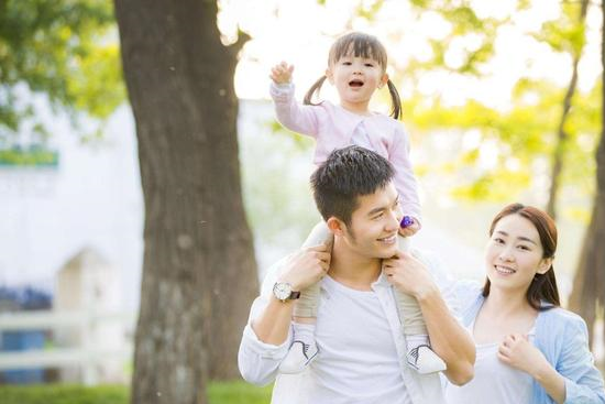 看似不着边际,婚后却能成为好爸爸的生肖:看看你的伴侣上榜了吗