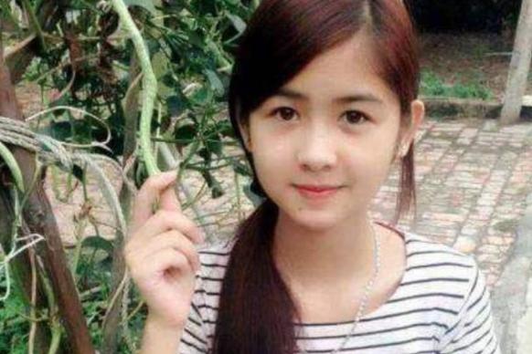 越南姑娘野外做饭,抬头那一刻太惊艳,真想把她娶回家!