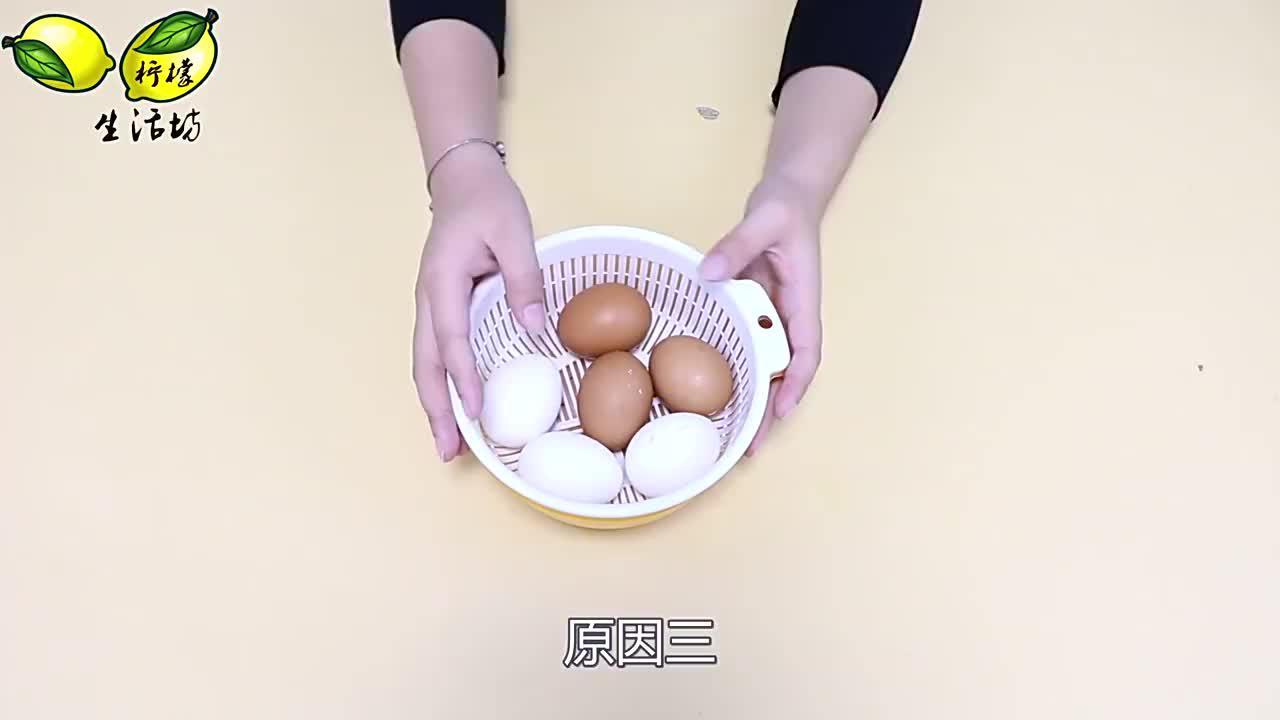 鸡蛋又涨价了,今天才知道是什么原因,看了我马上囤了十斤在家里