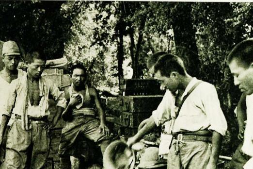 被强征的民船,日寇伤兵,80年前武汉会战老照片