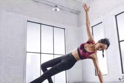 想和37岁张钧甯一样成为s级女神么?瑜伽让你小蛮腰曲线美起来