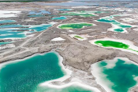 青海不只有青海湖和茶卡盐湖,有座免费的湖泊,风景更原生态