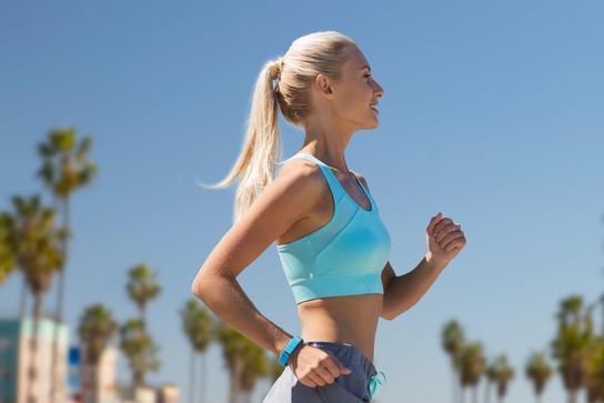 每天坚持慢跑1小时,一个月后能减重多少斤?
