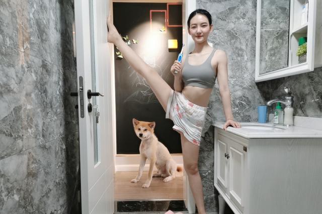 一套瘦身瑜伽体式,有效燃烧腿部与臀部脂肪,你也能拥有婀娜身材
