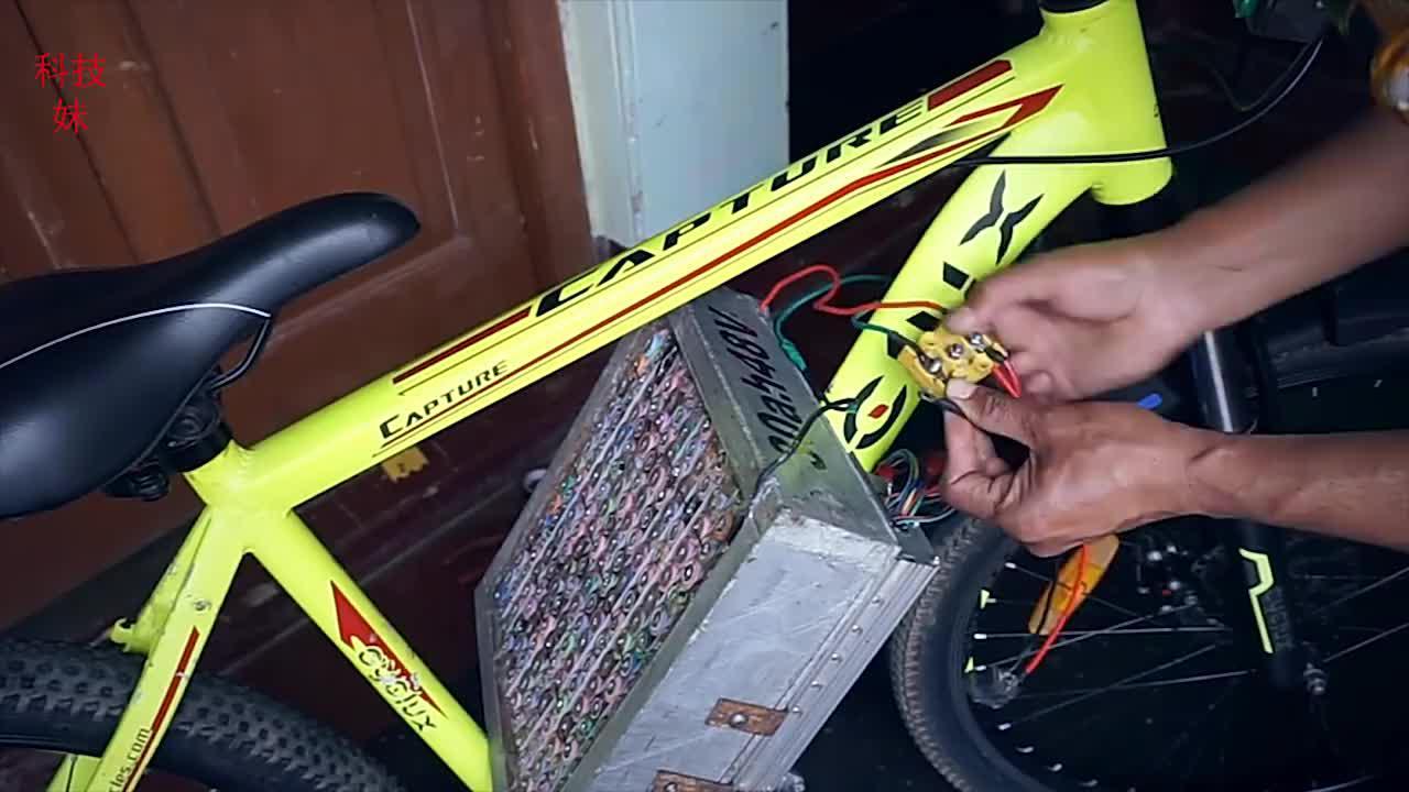 国外牛人把自行车改装成电动车,电池就用了180节,动力杠杠滴
