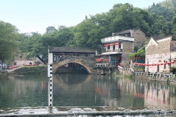 湖北这个古村 风光堪比宏村 先祖出过36位皇帝 统治中国长达511年