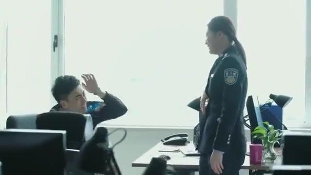 影视:简凡这回糗大了,喝醉醒来碰见了局长,还怀疑是舞云在坑他