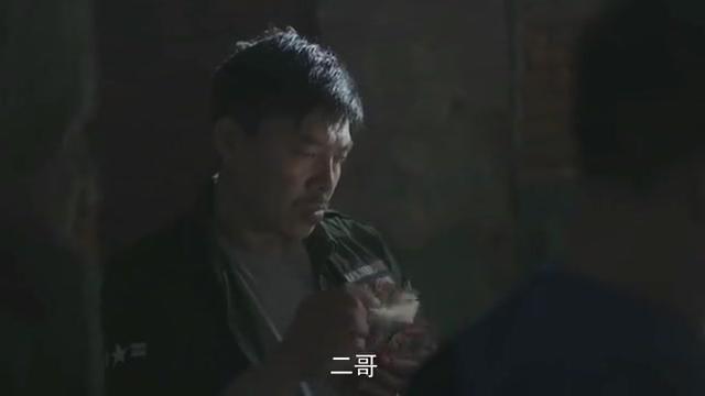 影视:黑老大想为大哥报仇,对手亲属全被警察保护,气得他牙痒痒