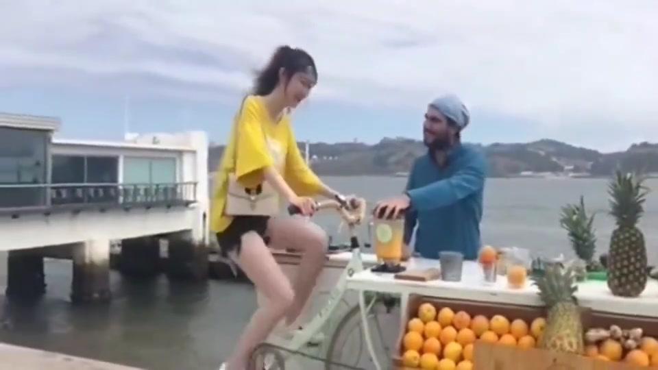 澳洲纯正橙汁,把顾客累成狗还乐意,可能这就是好喝的资本吧。