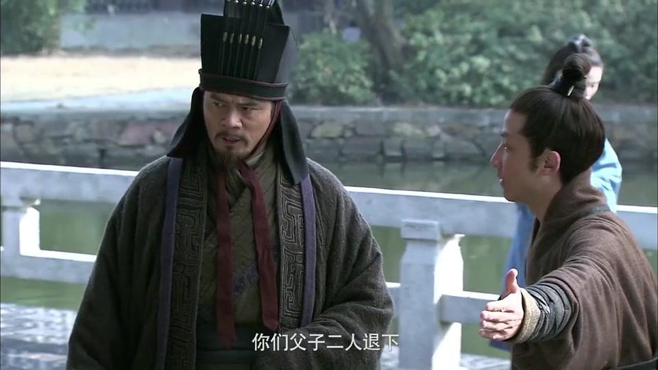 三国:继董卓之后,陈宫也想掌控吕布,不料吕布:一边凉快去!