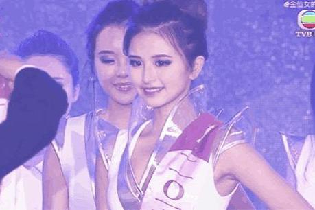 17岁的金子涵有多自信?看到她参加选美的视频,这颜值亮了!