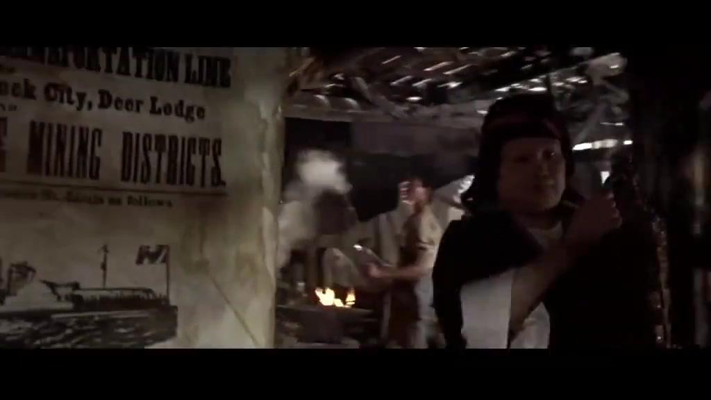 西部往事:神秘牛仔登门拜访,即使他带着手铐,大家却全都怕他