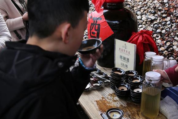 西安永兴坊摔碗酒,去年爆火,为什么今年无人问津了?