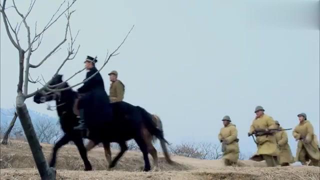 鬼子部队将进村,又怎知抗日小队早备好陷阱埋伏,这下鬼子要惨咯