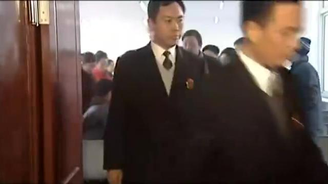 刘老根:刘老根私自撕毁封条,结果被警察带走,山庄员工害怕了