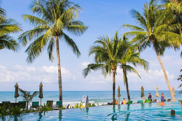 比普吉岛人少,比芭提雅漂亮,这才是泰国最美的海岛
