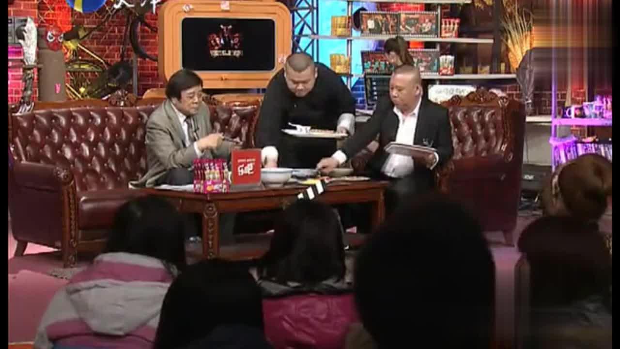 郭德纲家讲述天津人吃炸酱面没想到这么讲究配菜太丰富了