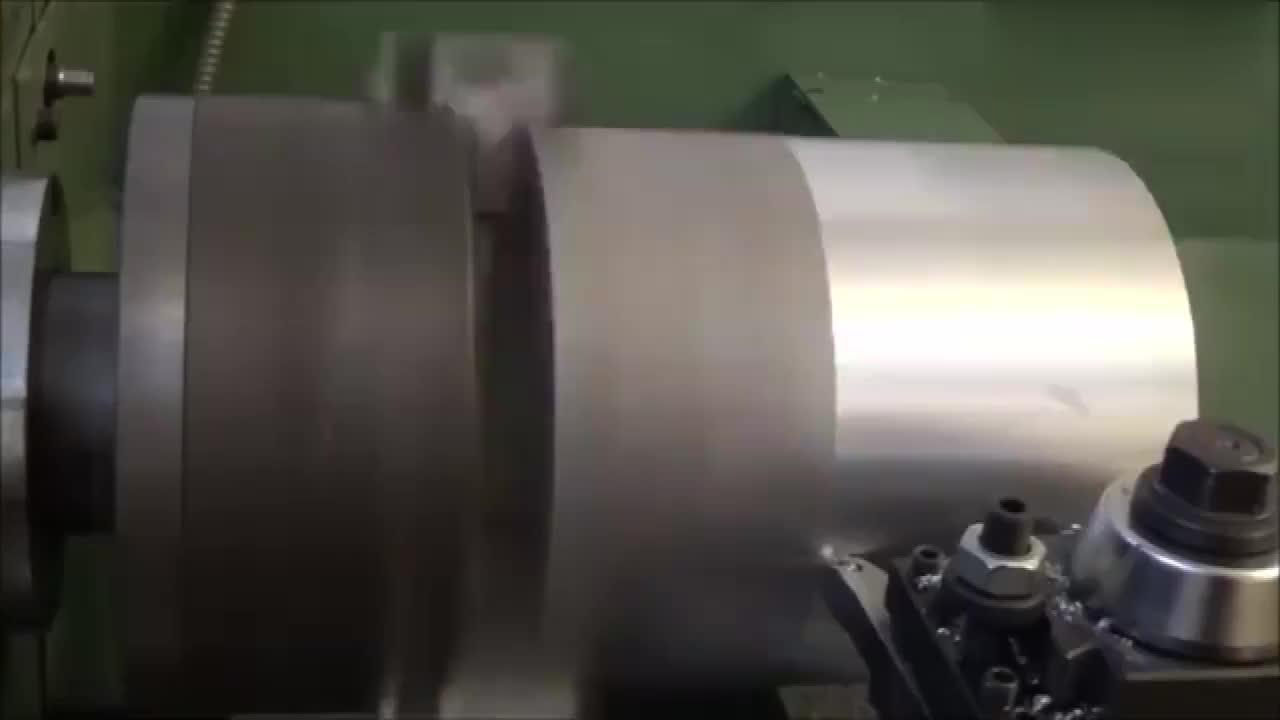 铝块搬上车床加工一铝滑轮,削铝如泥一般,这种加工看着好舒服