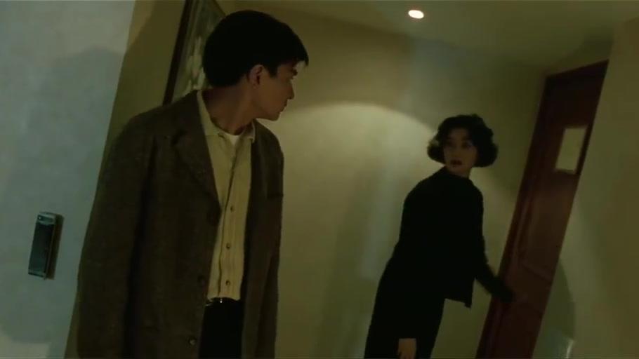 华仔,关之琳动机不纯啊,在哪见面不好,非得来宾馆