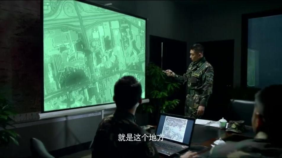 雪域:队长发现雇佣兵老巢,特种兵趁夜潜入,雇佣兵毫无察觉