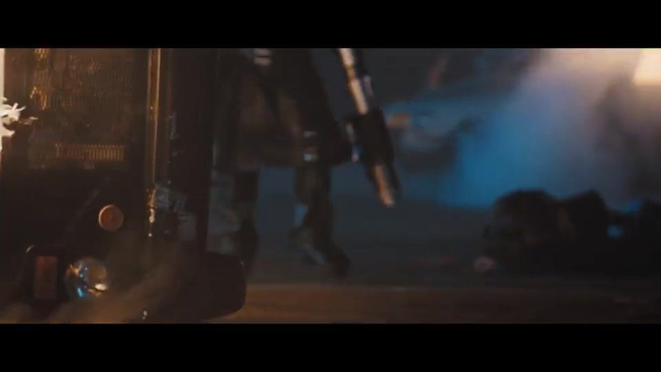 复仇者是真的顶,不怕子弹扛着火箭筒就炸别人