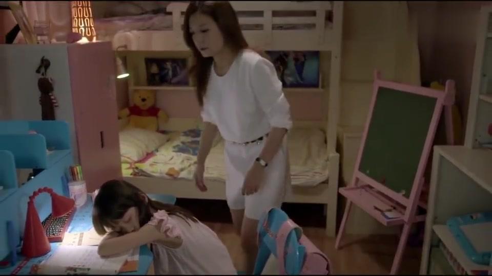 虎妈心疼女儿太累,竟帮孩子写作业,结果闯出大祸!