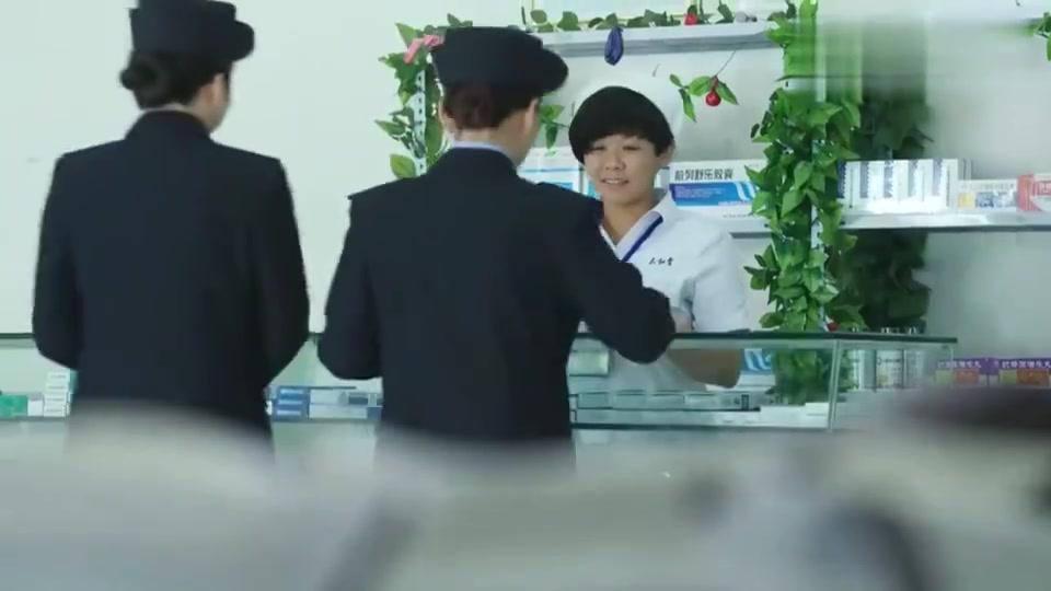 警察锅哥:舞云抓错人,求简凡帮忙:那女人除了你,别人搞不定