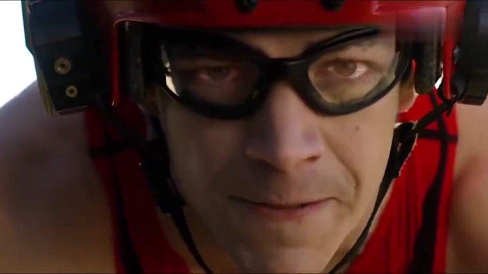 超女大战闪电侠,比赛看谁更快!