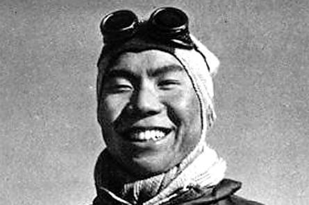 中国最早登顶珠穆朗玛峰的4名英雄 他们人生命运如何