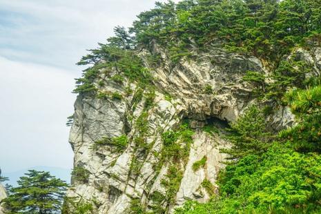 地处于鄂豫皖三省交界处 家喻户晓的大别山 这一省占领的风景最多