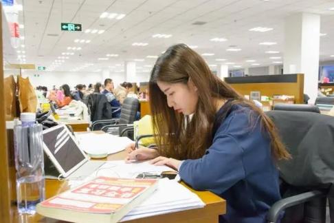 这4个就业率高的专科专业,学生考上就是赚到,就业不比本科差