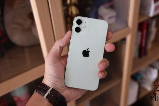 iPhone 12s曝光,壹号本One-Netbook4开卖