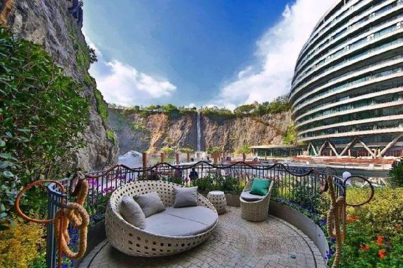 """中国最深的大酒店,建在地下88米处,被美媒誉为""""世界建筑奇迹"""""""