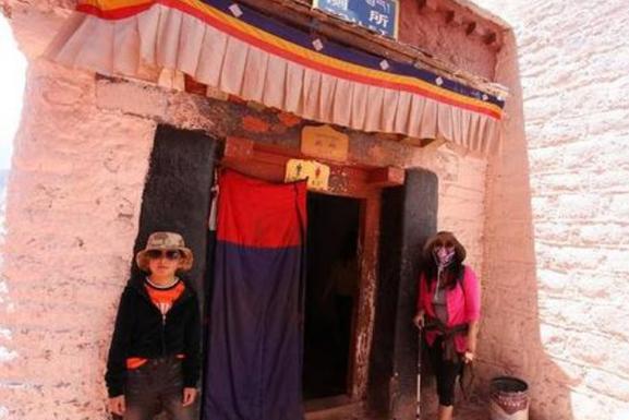 布达拉宫超牛的厕所,拉了整整300年都没拉满?原因让人噗嗤大笑