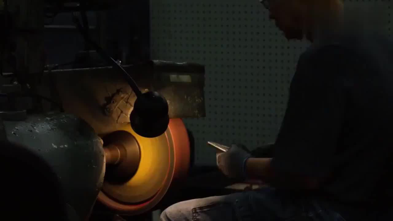 83秒带你看完一卷钢材是如何变成钳子的整个过程,真是长见识了