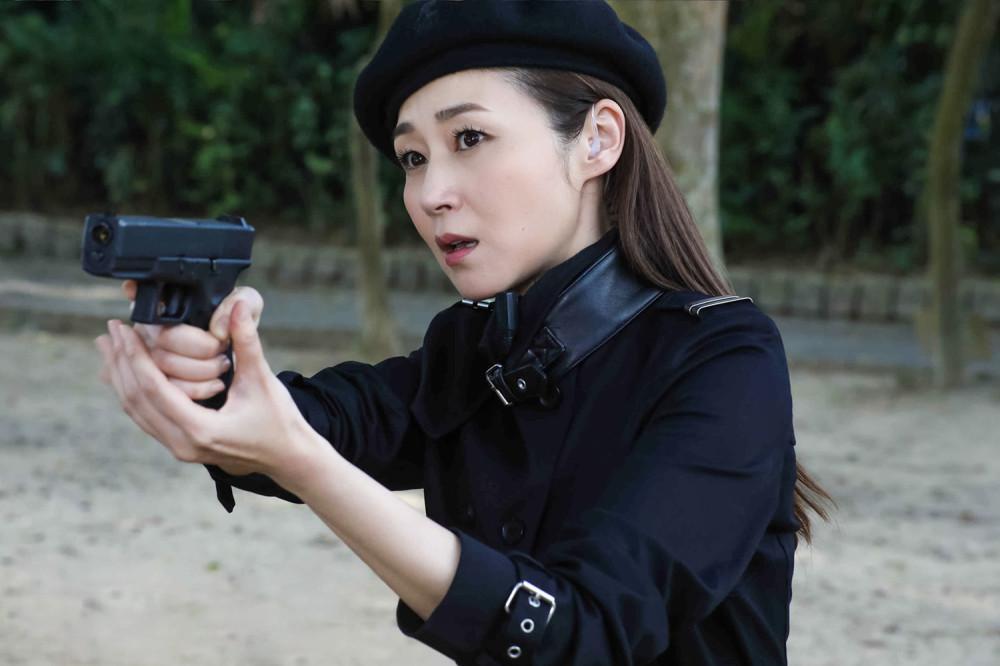 万绮雯52岁依旧担纲女主引热议,网友:TVB女演员职业生涯长