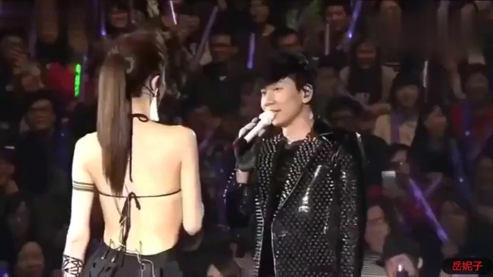 林俊杰演唱会表白谢金燕我喜欢你三年了,那田馥甄怎么办