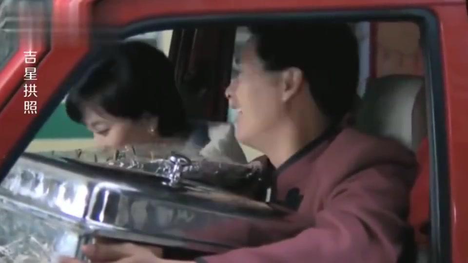 吉星拱照:周润发做起外卖员,居然给自己公司的员工送饭!