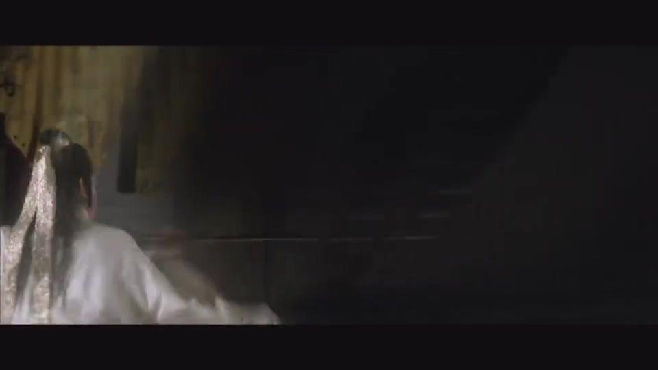 电影天蚕变,徐少强用天蚕功为父亲报仇,和师姐一起隐退江湖