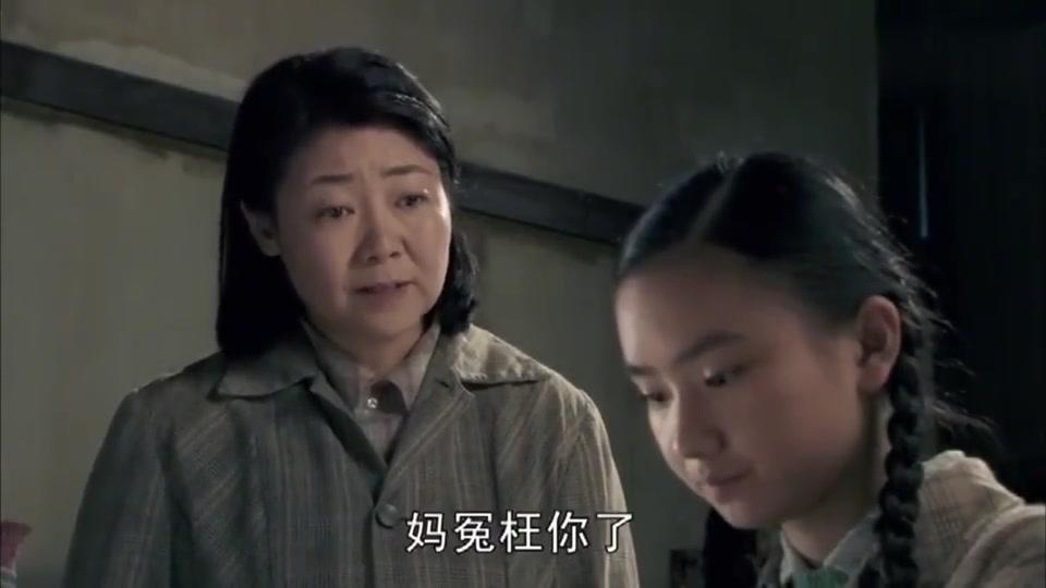 女儿想学钢琴,妈竟冤枉女儿偷钱,把女儿手指筋腱都弄断了