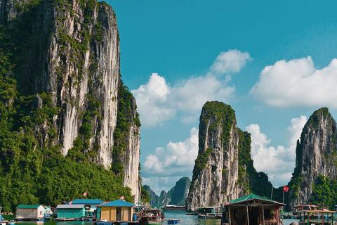 越南人最大的优越感来自下龙湾的地位,常与外国游客津津乐道