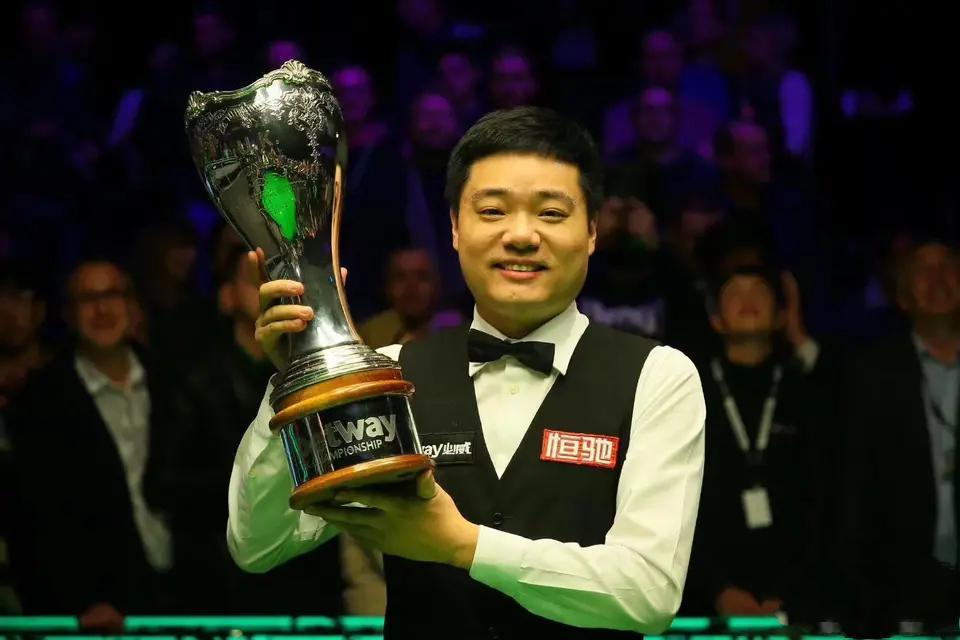 英锦赛,黑马格雷斯打响揭幕战,颜丙涛领衔6名中国球员首日出场