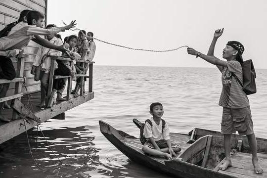 第20届中国平遥国际摄影展中华摄影报之《柬埔寨的孩子们》