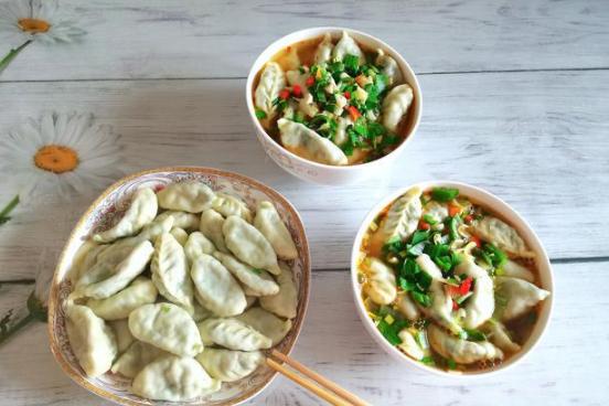 天冷多吃这个馅料的饺子,味道太鲜了,比吃肉还香,上桌就扫光