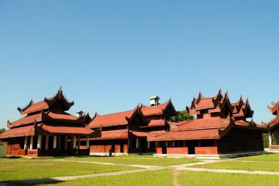 全球最大的皇宫,相当于5.5个故宫,修建了世间最大的书
