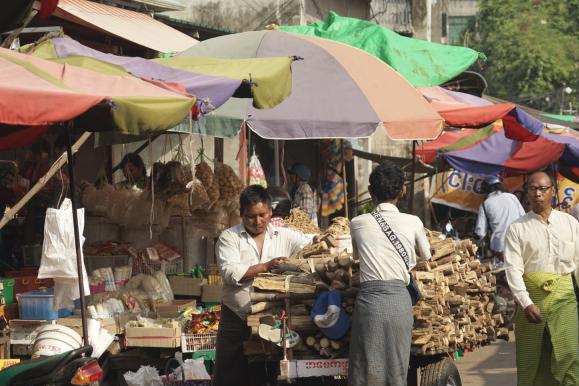 如今最接地气的旅行方式,逛菜市场体验市井生活,比逛景点更有趣