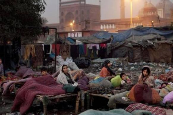 为何印度女人,住在贫民窟中,却仍旧穿金戴银呢