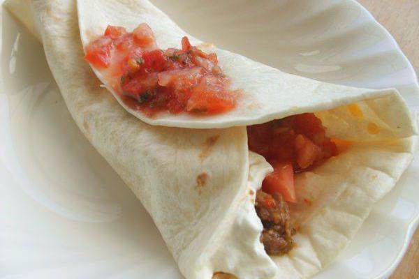 老厨子教你做墨西哥肉酱卷饼,皮薄馅多搭配均匀,唤起沉睡的味蕾