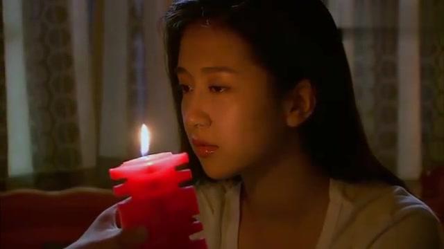 盲妻对花粉过敏,谁知丈夫特意买来玫瑰花味的蜡烛,场面温馨!